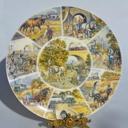 Porcelánový tanier Trackside Memories, Wedgwood  27,5 cm +  certifikát