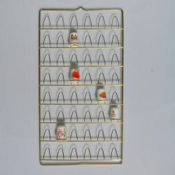 Závesný kovový zlatý stojan na 48 náprstkov, stojan 32x17 cm