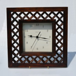 Zlaté kovové hodiny Staiger 13 x 10,5 x 6 cm, funkčné - záruka sa nevzťahuje na funkčnosť mechanizmu hodín