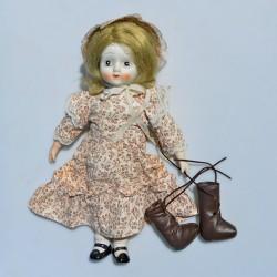 Porcelánová bábika - balerína + stojan, bosá  42 cm