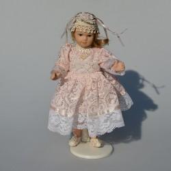 14 cm Porcelánová bábika v čepčeku v pôvodnom balení