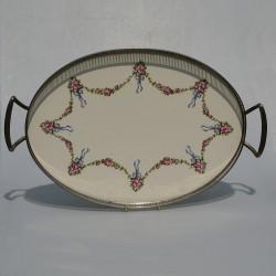 predane Kovový podnos, priemer podnosu je 33 x 42 cm