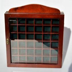 Drevená skrinka na 18 náprstkov 22x14x2,7 cm