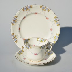 Starožitný porcelánový trojset Kvietky, 200 ml