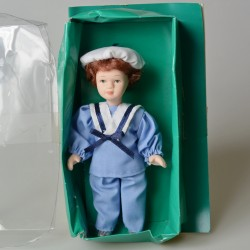 14 cm Porcelánová bábika Elegantná dáma v pôvodnom balení