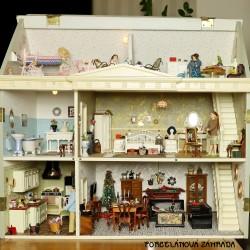Čoskoro v ponuke - Veľký zberateľský domček pre bábiky - zrekonštruovaný + nová elektrina
